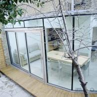 Glass extension gutter free roof